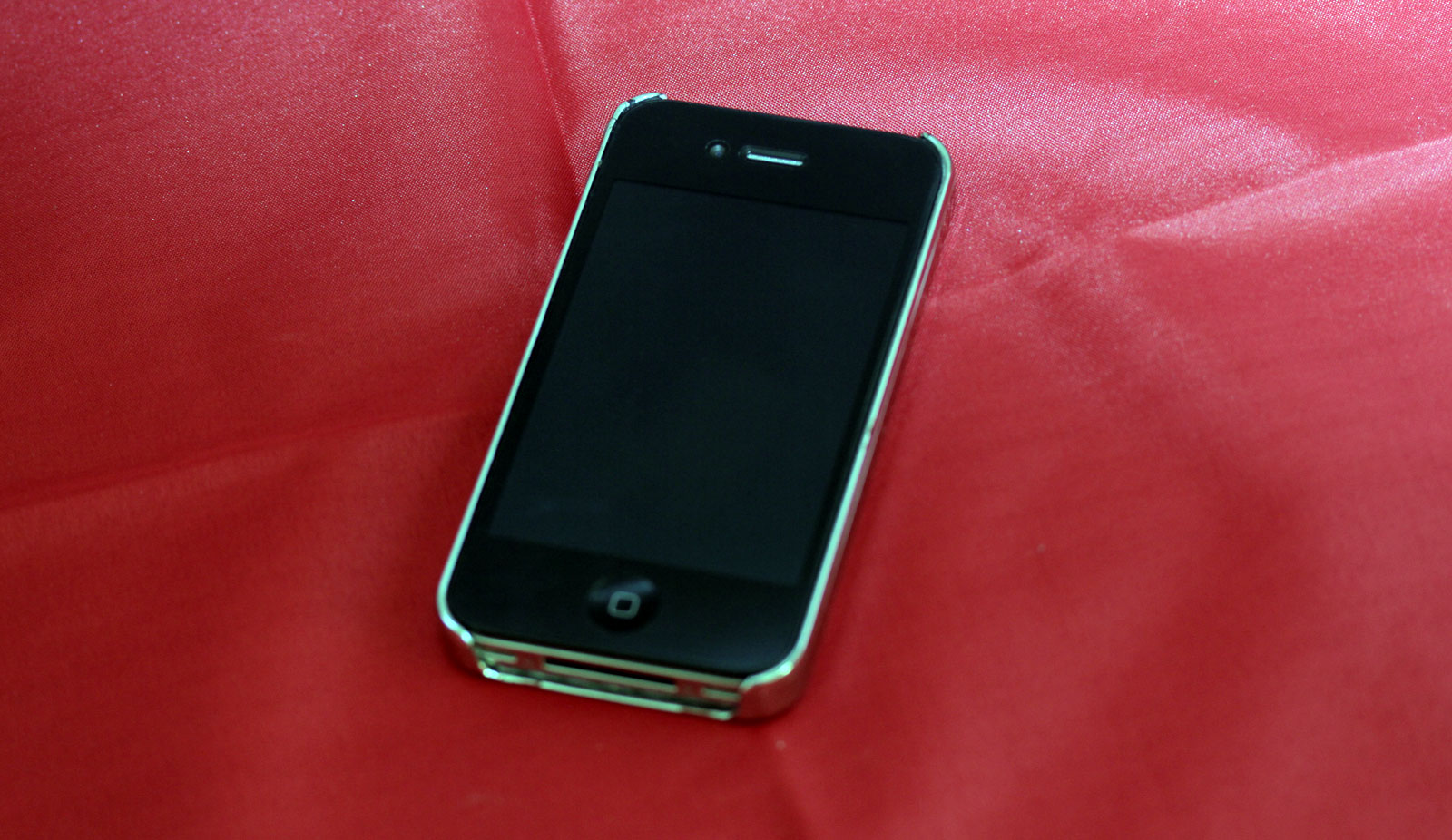 iPhone-4-metal-case3