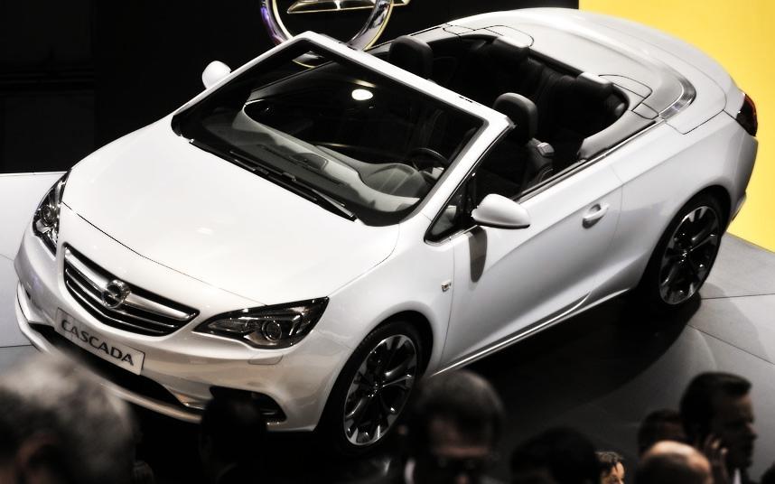 Cars Geneva Car Show 2013 Opel Cascada Cabriolet