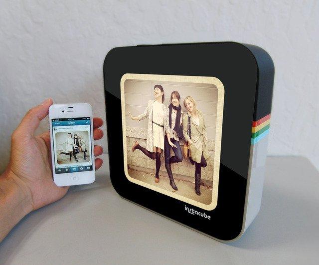 InstaCube: Digital Photo Frame for Instagram