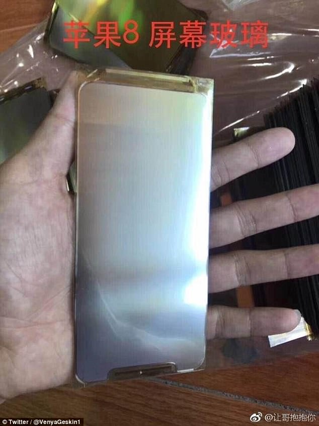 iPhone-8-real-leaked-photos